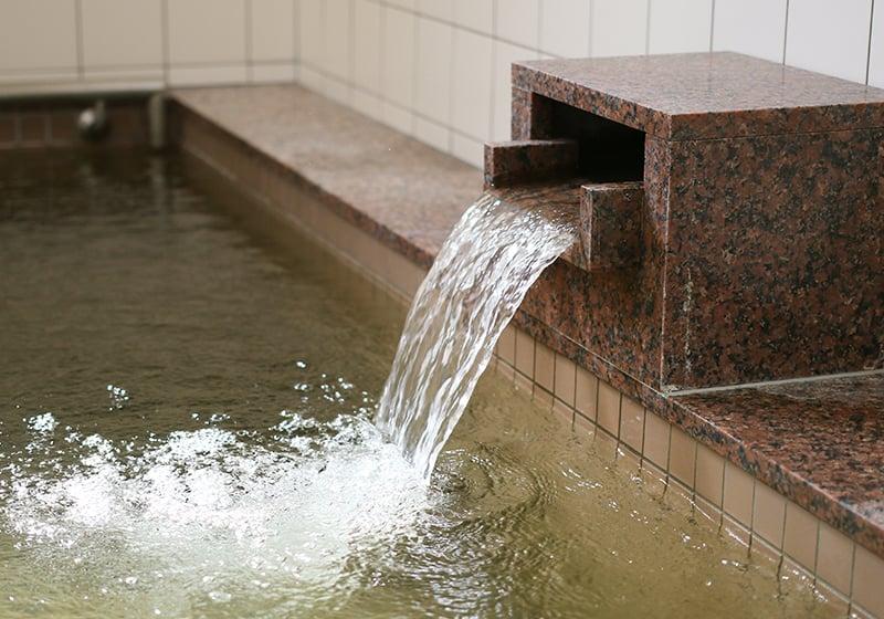 天然温泉吹き出し口